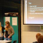 Romy en Madelief geven de toekomstige examenkandidaten tips: BEGIN  OP TIJD