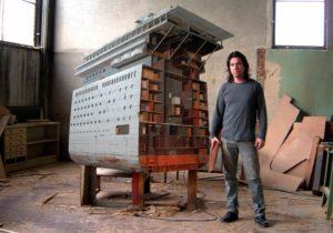 Kunstenaar Ron van der Enden